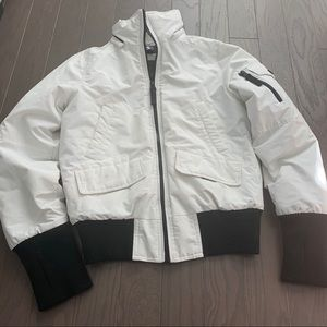 Halifax traders white parka size Small